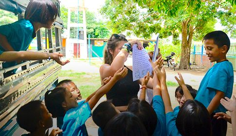 人生总有一段时间,值得为泰国的孩子而活